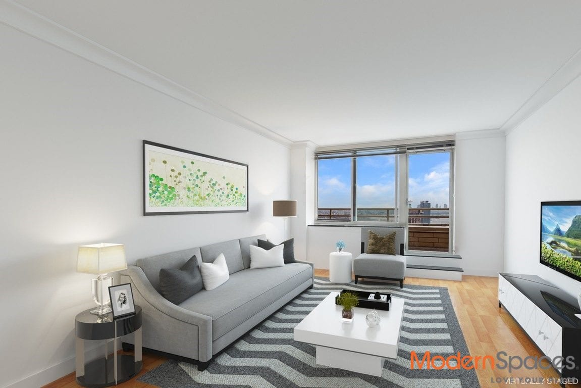 SUNNY SOUTHERN EXPOSURE 1 BEDROOM | BALCONY w/ CITY & RIVER VIEWS