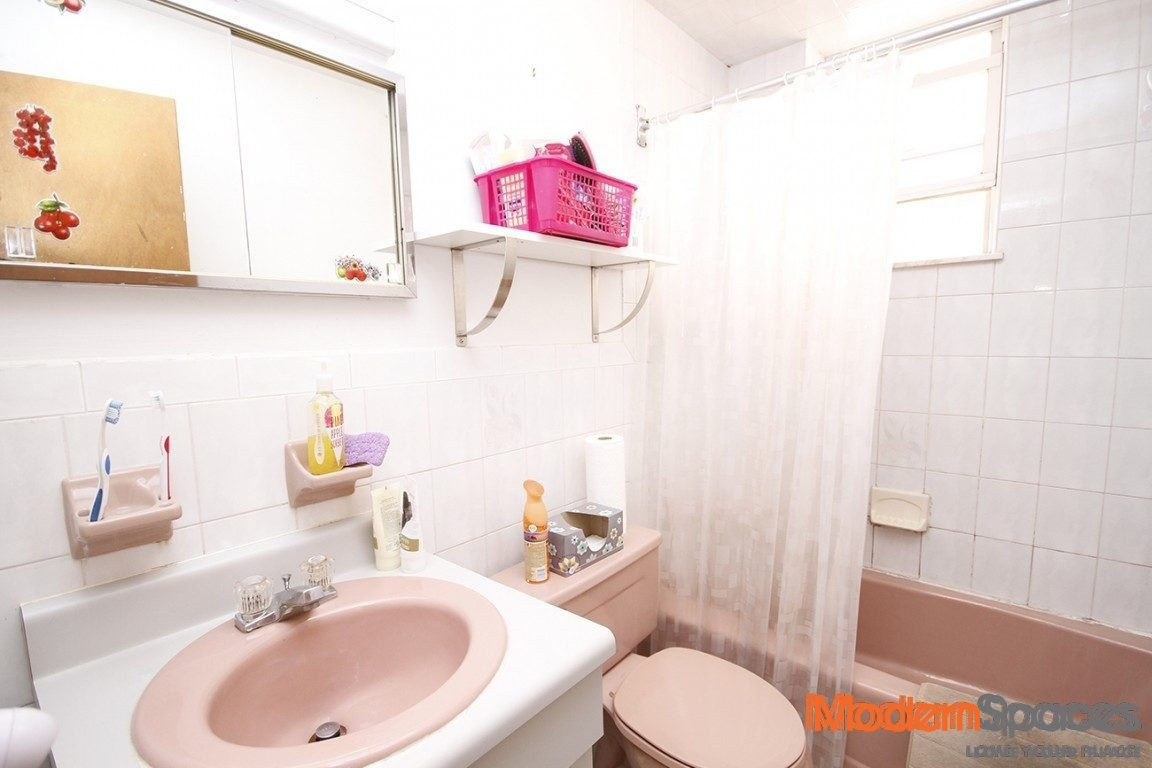 LOVELY TWO BEDROOM APARTMENT NEAR STEINWAY $2075 READY 9/1