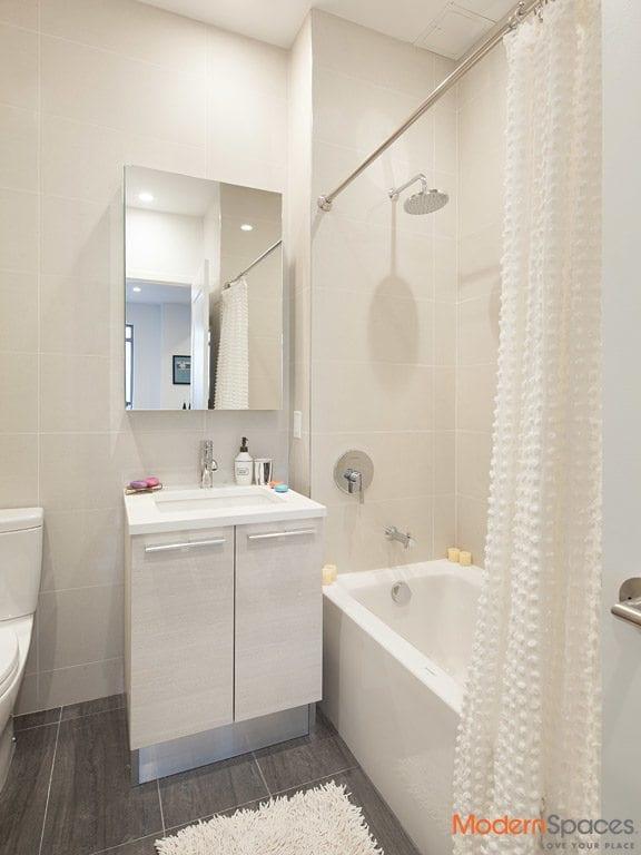 Modern 2 Bed 2 Bath w/ Balcony, W/D, Virtual Doorman, Roofdeck