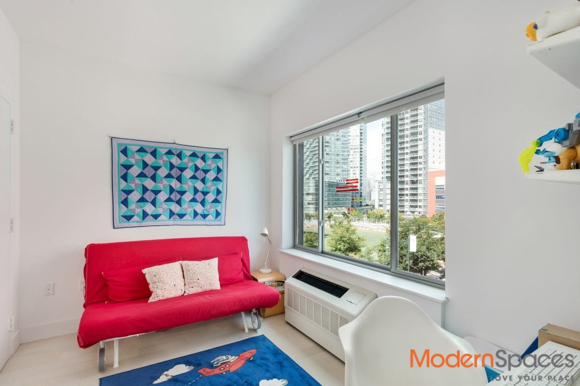 1 Month free- Beautiful new 2 bedrooms 2 baths with washer and dryer near center blvd