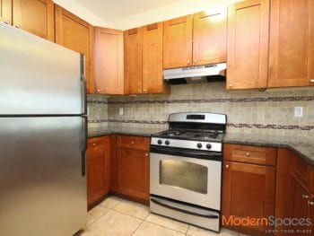 PRIME LONG ISLAND CITY 1 BEDROOM UNIT IN ELEVATOR BUILDING