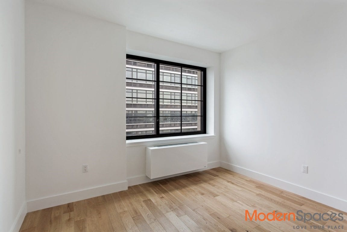 Never lived in 1 bedroom w large balcony/ washer dryer/ brand new amenities filled luxury building by all subways