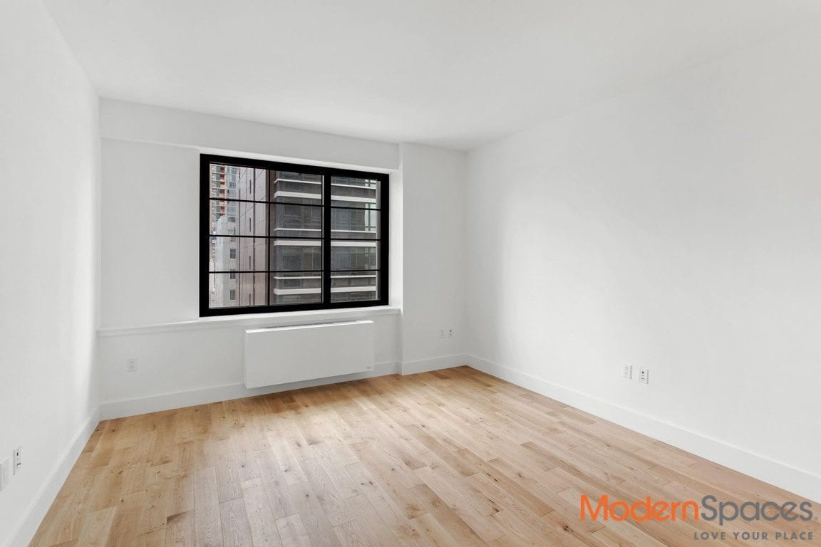 Brand new, no fee luxury 1 bedroom ,washer/dryer by Court Square near the E/M/G/7/N/Q/R trains
