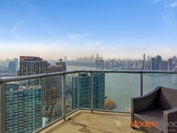NO FEE LIC ONE BEDROOM – BALCONY, CITY AND RIVER VIEWS
