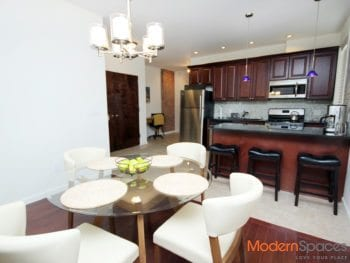 Stunning and spacious 2 bedroom – Prime Ditmars location ! Furnished !