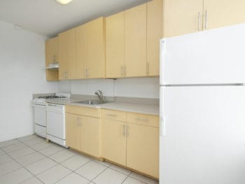 Woodside 1BR Apartment Available – Close to 7 trains
