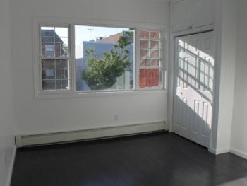 Completely Renovated 3 Bedroom Apartment by Broadway – Astoria