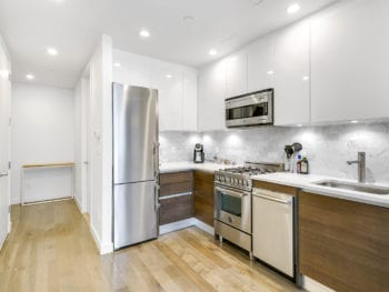 Superior Studio Condo  w/ Balcony & Rooftop Gym Adjacent to Murray Park in Central LIC