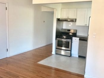 BEAUTIFUL THREE BEDROOM WITH A BALCONY***CENTRAL ASTORIA