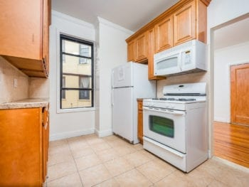 PRIME LOCATION 2 BEDROOM 1 BATHROOM APARTMENT *MINUTES AWAY FROM N&W TRAIN STATION
